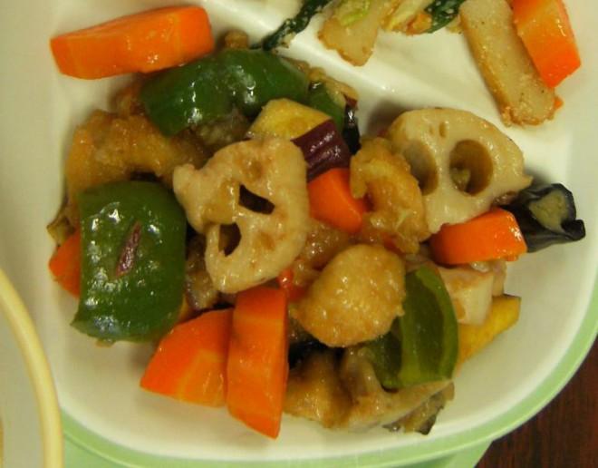 鶏肉と秋野菜の黒酢あんかけ