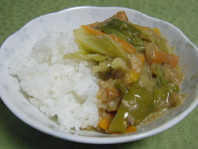 魚の缶詰と残り野菜の簡単丼