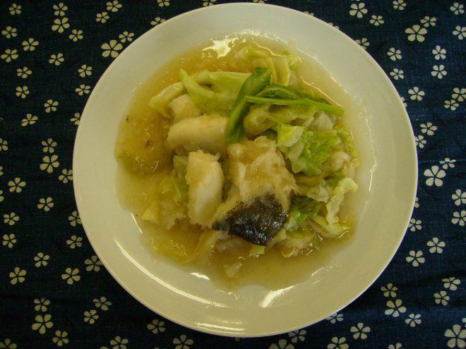 白身魚とキャベツのおろし煮