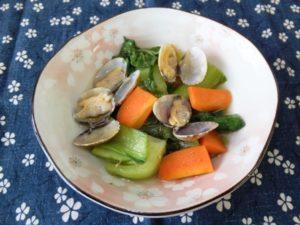 チンゲン菜とあさりの炒め煮
