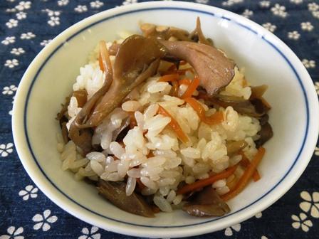 人参と舞茸の混ぜご飯