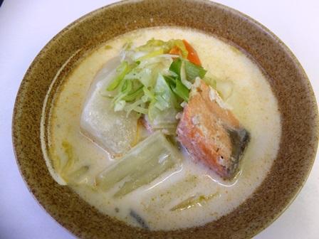 鮭と冬野菜の和風スープ
