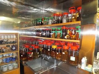 一陽 店主が漬けた果実酒は全部で約300種類