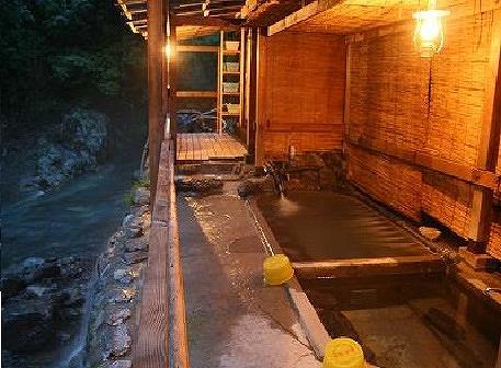 駒の湯山荘 露天風呂